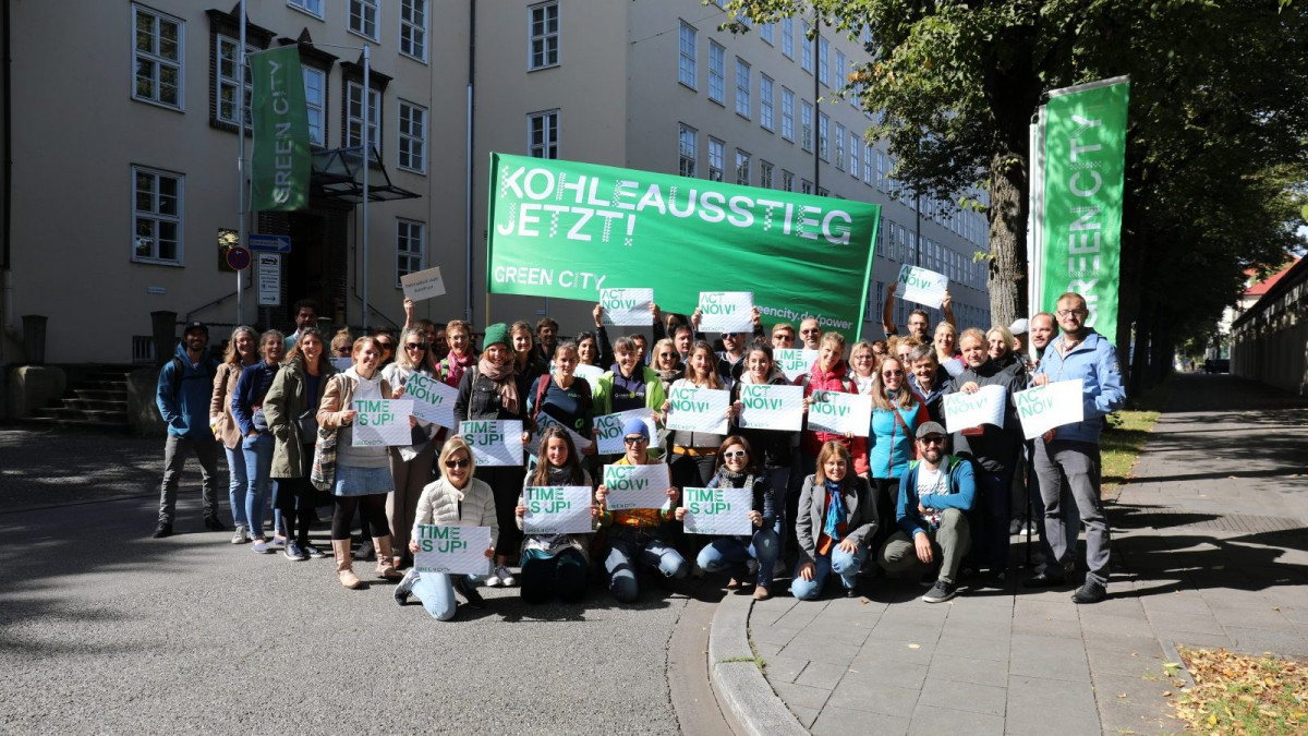 Green City employees demonstrate for climate